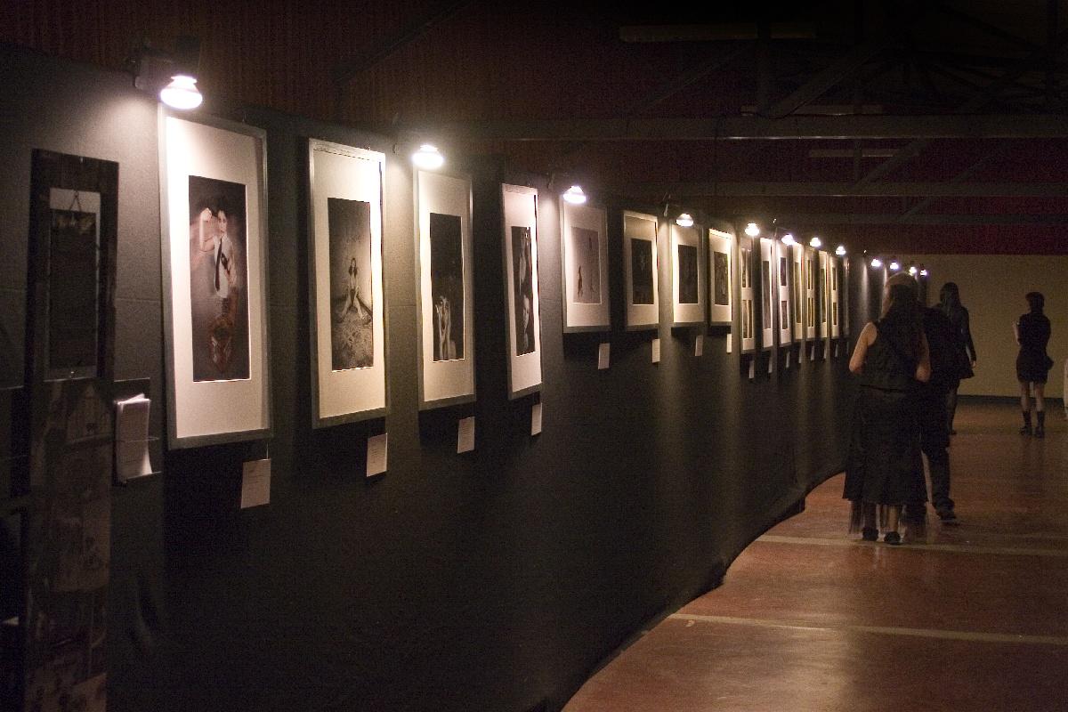 Ausstellung auf der Empore des Agra-Treffen-Cafés