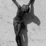 Ohne Kreuz, dafür realistisch durch die Handwurzeln gekreuzigt