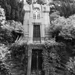 Mehrstöckige Villa am Hang