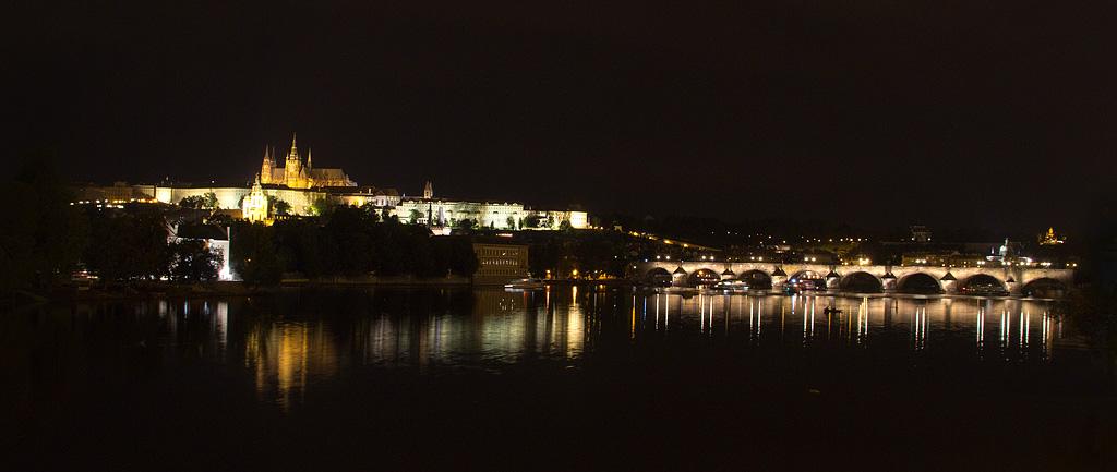 Abendlicher Blick auf die Prager Burg